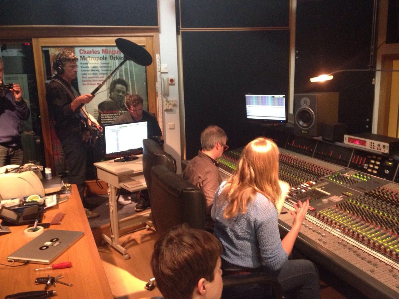 filmen bij Metropole orkest in de studio